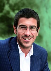 Steffen Zinßer ist Geschäftsführer bei A&B One in Berlin und seit 1998 für die Entwicklung und Steuerung großer integrierter Kampagnen zuständig, vielfach für öffentliche Auftraggeber.