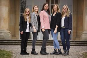 v.l.n.r.: Tessa Raabe (Kommunikation), Jana Rother (Mitglieder und Finanzen), Paula Accordi (1. Vorsitzende), Lisa Gast (2. Vorsitzende & Sponsoring), Karolin Huber (Veranstaltungen)